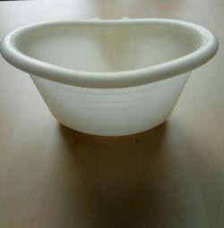 Bathtub container