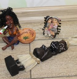 Aboriginal Primitive, ashtray and a couple in love
