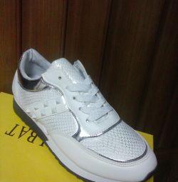 Αθλητικά παπούτσια νέα 37.38