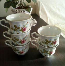 A set of tea cups.