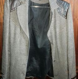 Γυναικείο σακάκι με δερμάτινα ένθετα