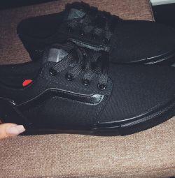 Ανδρικά παπούτσια νέα Vans