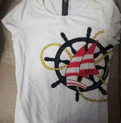Θα πουλήσω ένα μπλουζάκι για ένα κορίτσι που αγόρασε για το 1200