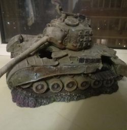 Огромный танк в аквариум.новый.