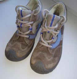 Spor ayakkabı 28r
