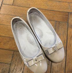 Δερμάτινα παπούτσια για κορίτσια, μεγέθους 33. Χρησιμοποιούνται