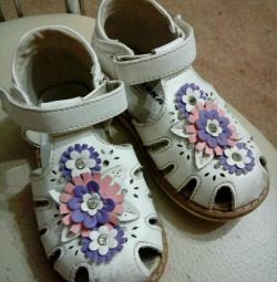 Sandale (2 perechi)