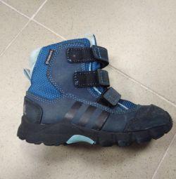 Boots p27 ierni. Adidas