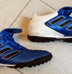 Μπότες για ποδόσφαιρο