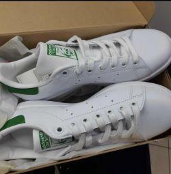 Νέα παπούτσια Adidas Stan Smith