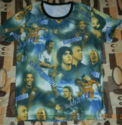 T-shirt with football players