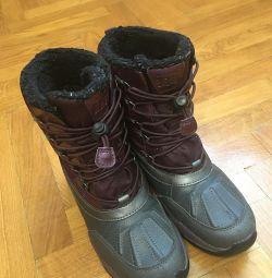 Μπότες χειμώνα για το κορίτσι του Geox