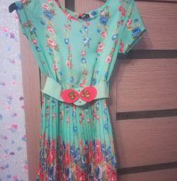 Θα πουλήσω ένα φόρεμα, 34 μεγέθους
