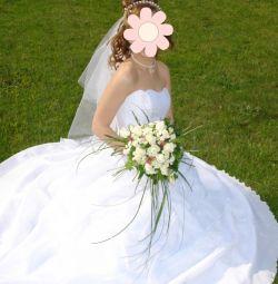 Весільна сукня 42-44, рукавички, фата, прикраси