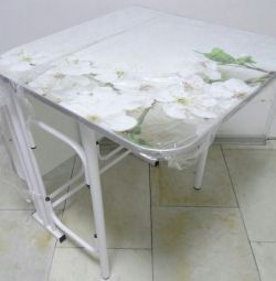 Folding tables with photo printing