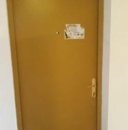 Μεταλλικές πόρτες