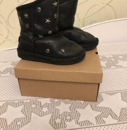 Ugg μπότες πρωτότυπο σε καλή κατάσταση 30 μέγεθος