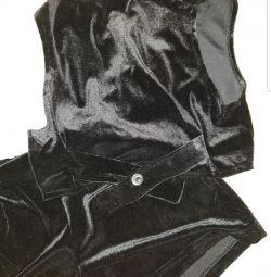 Велюровий костюмчик (шортики і жилет)