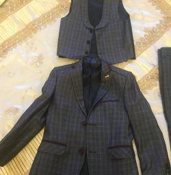 Τρία κοστούμια για αγόρια