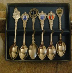 New set of collection spoons + 2pcs as a gift.