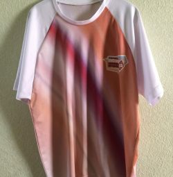 Beige t-shirt with diagonal stripes