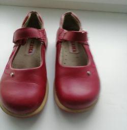 Shoes Tale p 30