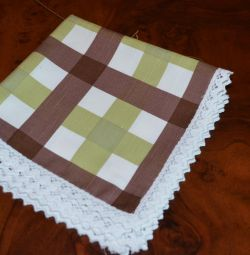 linen napkins with lace