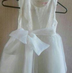 Праздничное белое платье 116