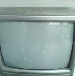 TV pentru piese