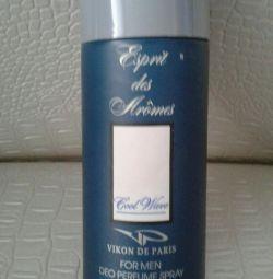 Parfümlü adamın deodorantı.