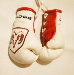 Mănuși de box