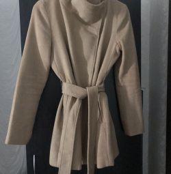 Вовняне пальто Bershka (розмір M-L)