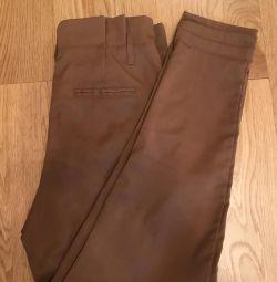 Классические штаны с завышенной талией