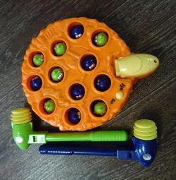 Игрушка инопланетине