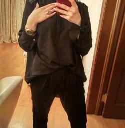 Μαύρα μπλούζες πουκάμισα