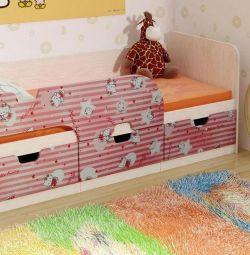 кровать китти красная .в наличии
