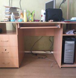 Стол учебный/ компьютерный