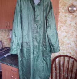 Дощовик з кишенями і капюшоном, размер 52-54