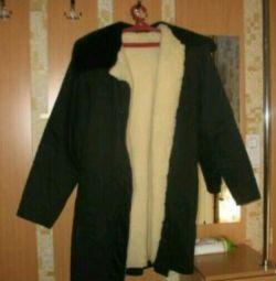 Voi vinde o haină de blană pentru bărbați acoperită