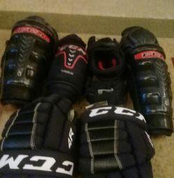 Set de protecție pentru sezonul 1 de hochei pe gheață folosit
