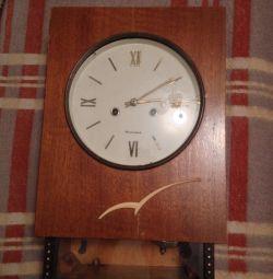 настінні годинники бурштин з боєм