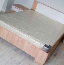 Новая. Кровать