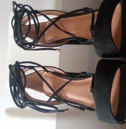 Topshop μαύρη σουέτ δαντέλα τακούνια