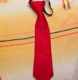 Cravată pentru femei