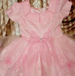 Красивое платье р 110-116