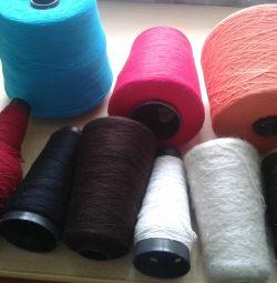 Knitting yarn for machine knitting