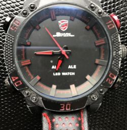 Used men's watches Shark