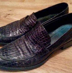 Γυναικεία παπούτσια 37,38 τρίψιμο. Ιταλία