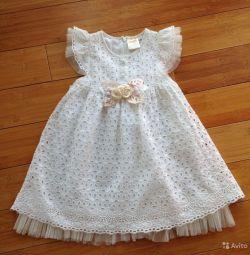 Платье нарядное на 3 года