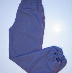 Спортивные непромокаемые штаны с подкладкой